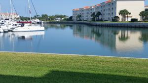 17 Harbour Isle Dr #102 Fort Pierce, FL 34949