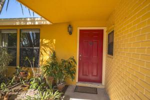 8501 Elaine Dr, Boynton Beach, FL