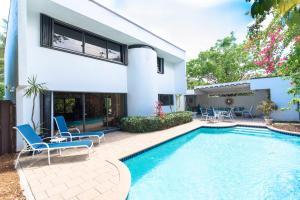 317 Monceaux Rd, West Palm Beach FL 33405