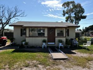 2603 Booker St, Fort Pierce FL 34950
