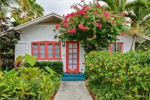 310 Vallette Way, West Palm Beach FL 33401