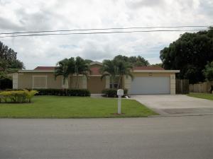 6906 Eastview Dr, Lake Worth FL 33462
