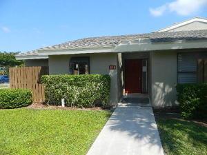 211 Meadows Dr, Boynton Beach FL 33436