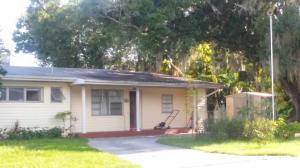 1205 Country Gardens Ln, Fort Pierce FL 34982