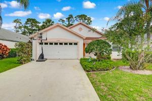 15205 Oak Chase Ct, Wellington, FL