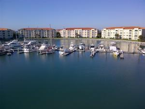 2 Harbour Isle Dr #103 Fort Pierce, FL 34949
