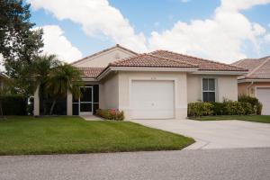 3718 Coco Lake Dr, Pompano Beach, FL