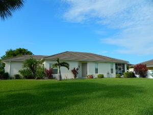 218 SW Manatee Springs Way, Port Saint Lucie, FL