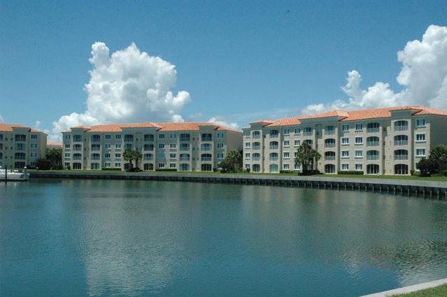 26 Harbour Isle Dr #203, Fort Pierce, FL 34949