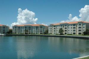 26 Harbour Isle Dr #203 Fort Pierce, FL 34949