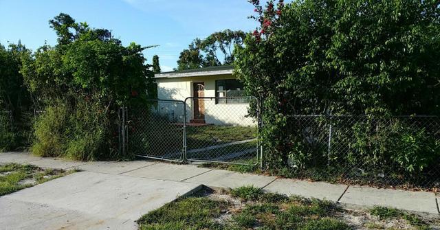 516 Dogwood Rd, West Palm Beach, FL 33409