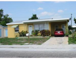 927 S E St Lake Worth, FL 33460