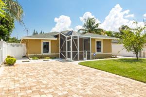 2578 Florida St, West Palm Beach, FL 33406