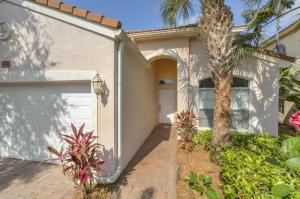 3596 NW Deer Oak Dr, Jensen Beach, FL 34957