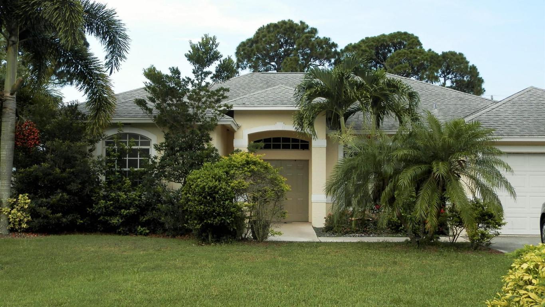 1071 NW Bayshore Boulevard, Port Saint Lucie, FL 34953