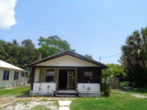 1120 Boston Ave Fort Pierce, FL 34950