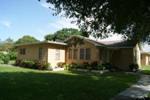 2108 S 34th St Fort Pierce, FL 34981