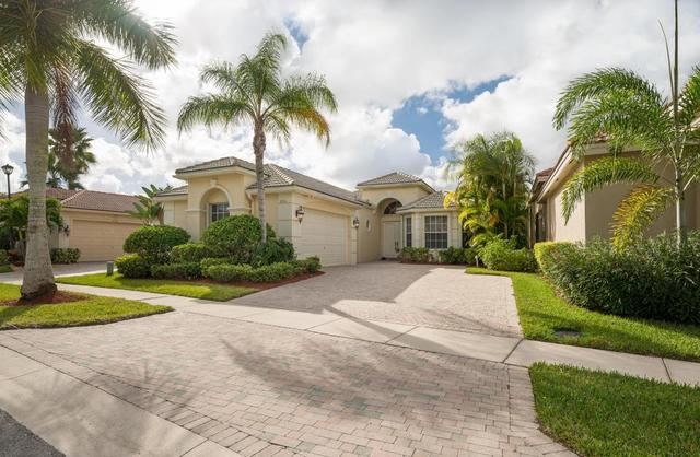 10916 Northgreen Dr, Wellington, FL 33449