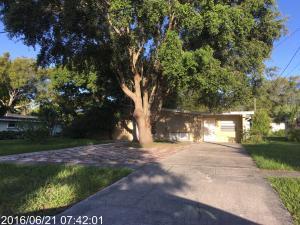 2607 S 14th St Fort Pierce, FL 34950