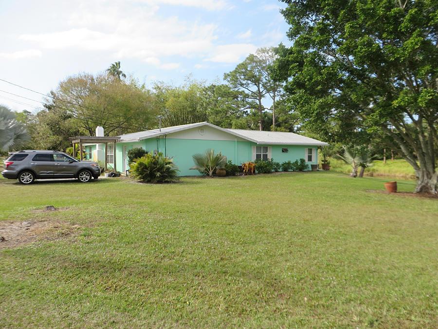 3744 SW Berry Avenue, Palm City, FL 34990