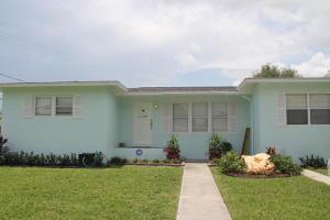 1103 Club Dr Fort Pierce, FL 34982
