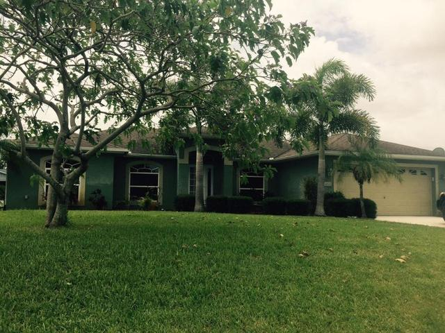 634 SE Strait Ave, Port Saint Lucie, FL 34953