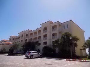 32 Harbour Isle Dr #304 Fort Pierce, FL 34949