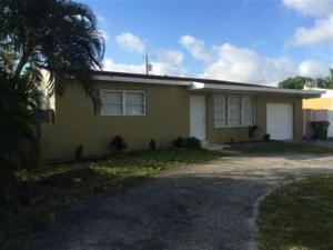 180 Cayman Dr Lake Worth, FL 33461