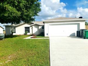 572 SW Bacon Terrace, Port Saint Lucie, FL 34953