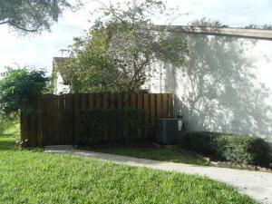 2040 Colonial Rd #6, Fort Pierce, FL 34950