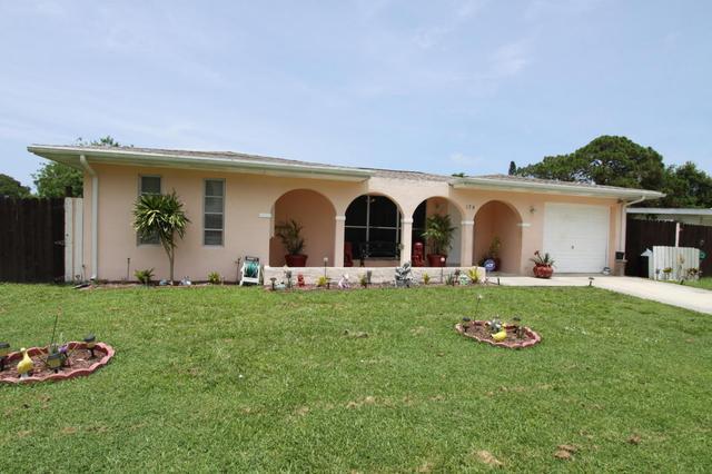 179 NE Jardain Rd, Port Saint Lucie, FL 34983