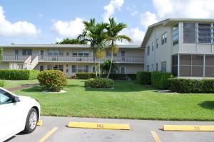 142 Cambridge F, West Palm Beach, FL 33417