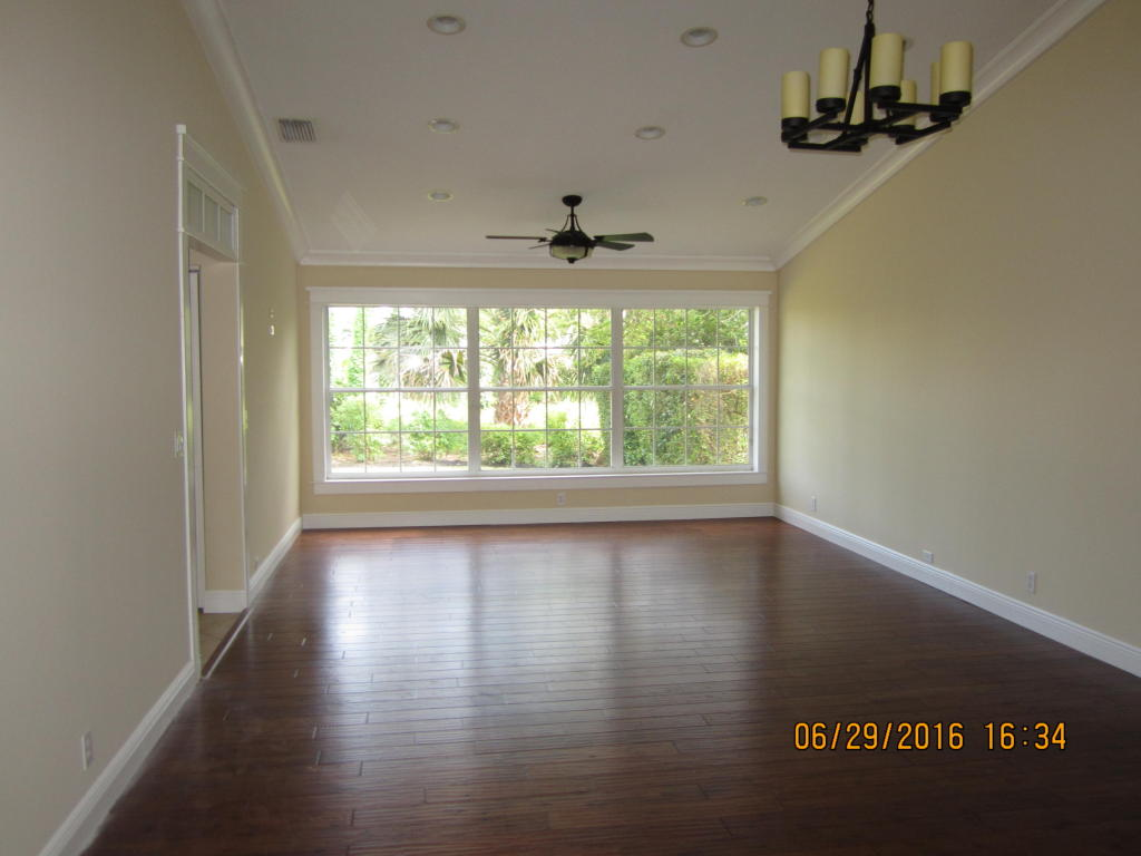8749 SE Riverfront Terrace, Tequesta, FL 33469