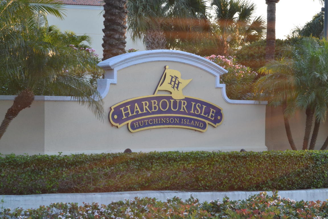 1 Harbour Isle Drive #301, Fort Pierce, FL 34949