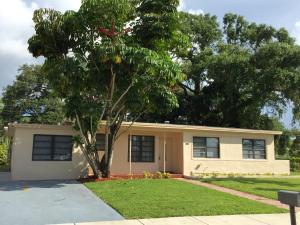 3211 SW 39th St, West Park, FL 33023