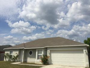 597 SW Fairway Ave, Port Saint Lucie, FL 34983