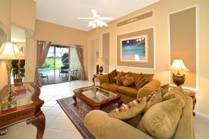7903 Monarch Ct, Delray Beach, FL 33446