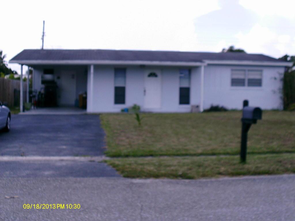 5631 S 38th Ct, Greenacres, FL 33463