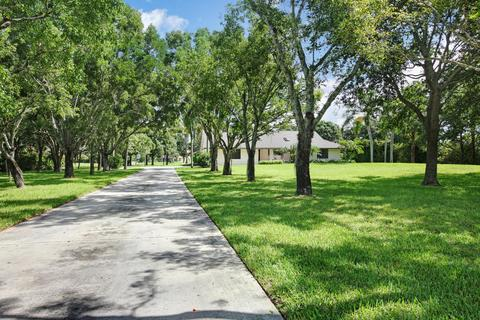 2856 Appaloosa Trl, Wellington, FL 33414