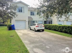 68 Fairway Ln, Royal Palm Beach, FL 33411