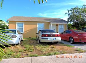 434 El Prado, West Palm Beach, FL 33405