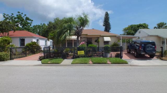 748 W 1st St, Riviera Beach, FL 33404