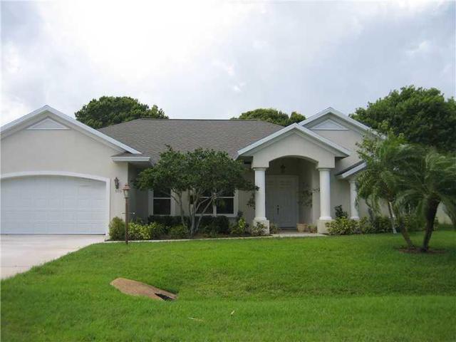 5113 Eagle Dr, Fort Pierce, FL 34951