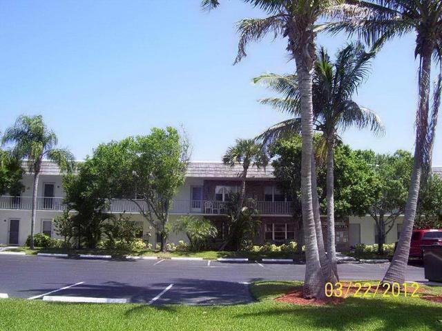1200 Colonnades Dr #104, Fort Pierce, FL 34949