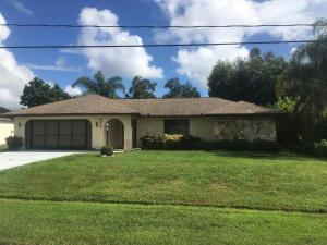 413 SE Whitmore Dr, Port Saint Lucie, FL 34984