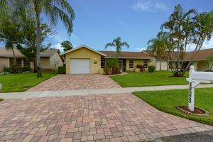 10525 Greenbriar Court, Boca Raton, FL 33498