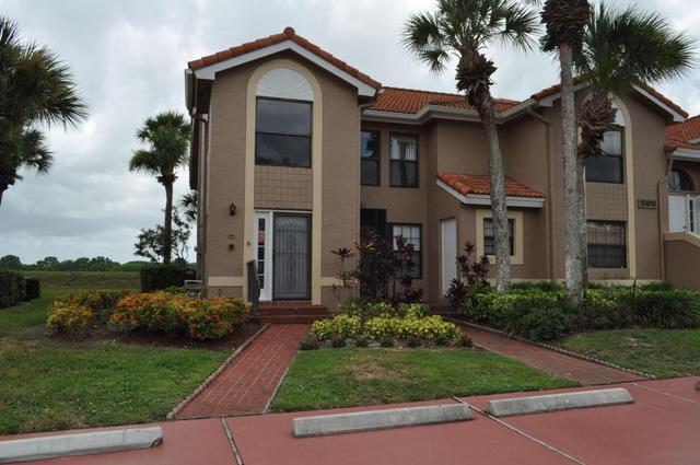 10910 Lakemore Ln #201, Boca Raton, FL 33498
