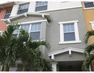 590 Amador Ln #4, West Palm Beach, FL 33401