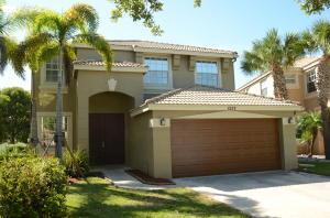 1237 Oakwater Dr, Royal Palm Beach, FL 33411