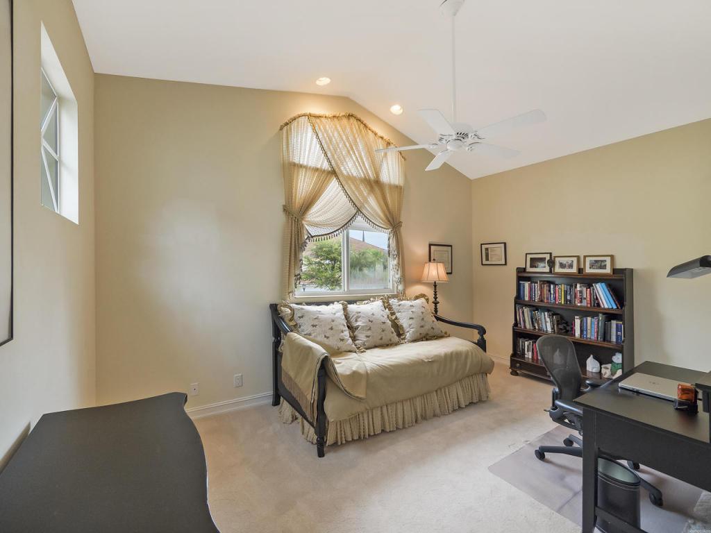 123 Palm Bay Terrace #C, Palm Beach Gardens, FL 33418